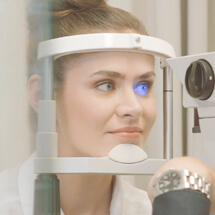 Professionelle Vermessung für Kontaktlinsen